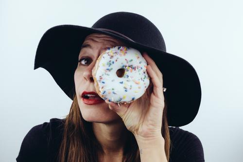 woman_doughnut